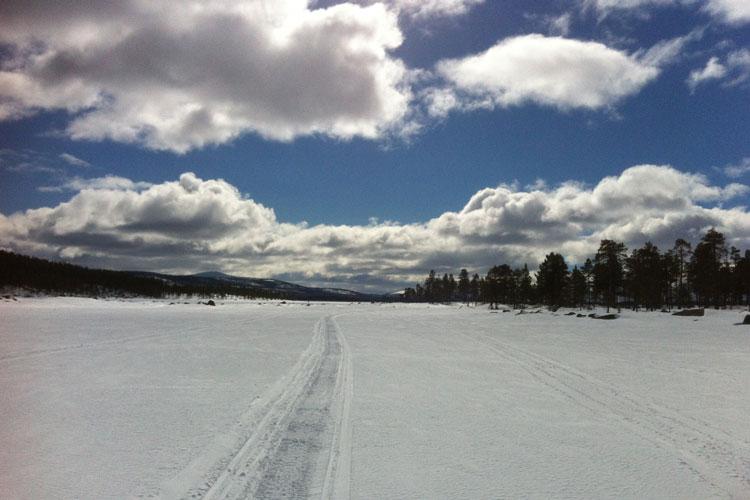 Snowmobile03.jpg