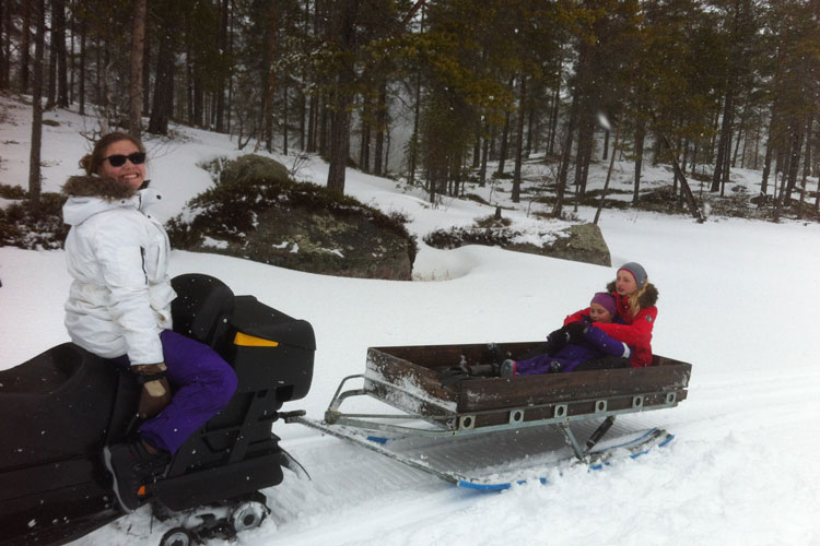Snowmobile06.jpg