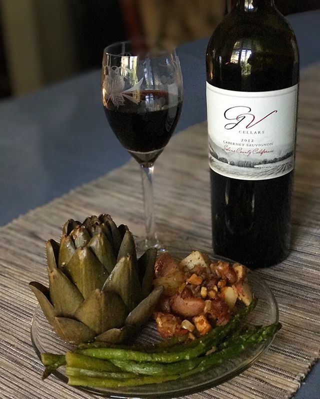 Dinner is served 🍷 #wine #food #dinner #meal #vegetarian #tasty #lifestyle #gvcellars #greenvalley #napa #napavalley #vacaville #sonoma #fairfield #sanfrancisco #sandiego #losangeles #foodlover #winelover #igdaily #foodstagram 📸 : @abby.helfrich
