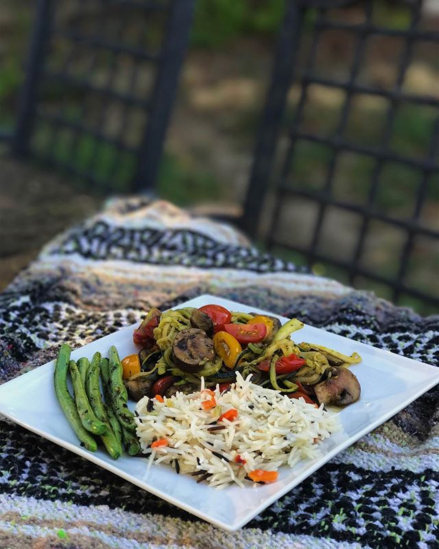 What wine would you pair with this meal?🍷 Zucchini pasta tossed in pesto sauce and complimented by sautéed mushrooms and freshly picked garden tomatoes . 📸 & 🍽 : @abby.helfrich  #wine #food #winelover #foodlover #vegetarian #healthyfood #tasty #yummy #winery #greenvalley #napavalley #napa #fairfield #vacaville #sonoma #relax #enjoy #destination #travel #california #losangeles #sandiego #sanfrancisco #healthyeating #lifestyle #instadaily #instafood #photooftheday