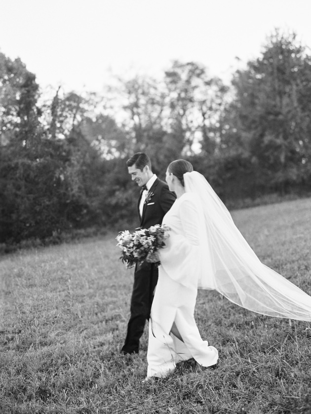 black-and-white-bride-and-groom-photos.jpg