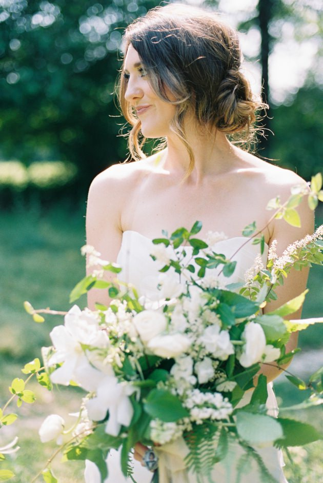 white-and-green-wedding-bouquet.jpg