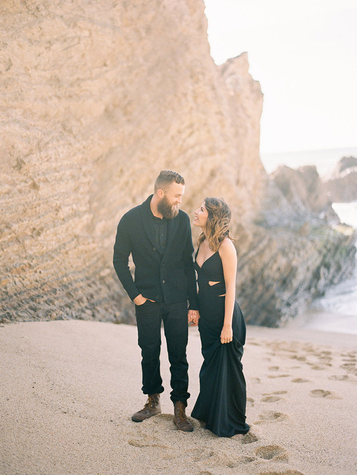 2-half-moon-bay-engagement-session.jpg