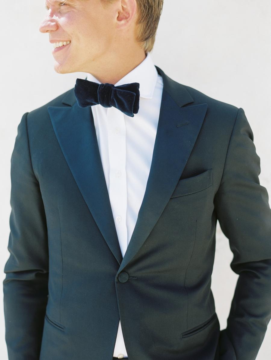 08-velvet-bow-tie.jpg