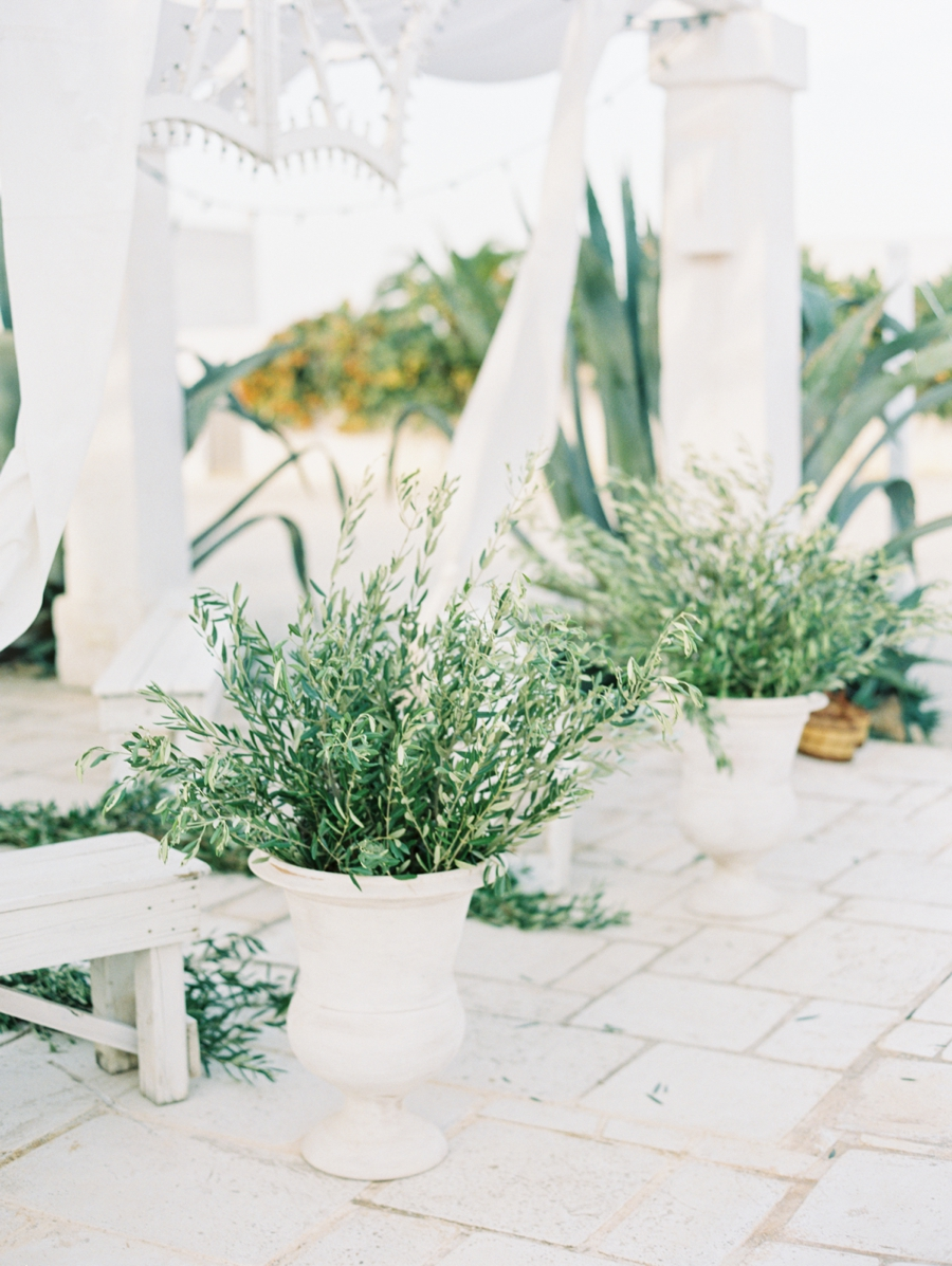 11-olive-branch-wedding-decor.jpg