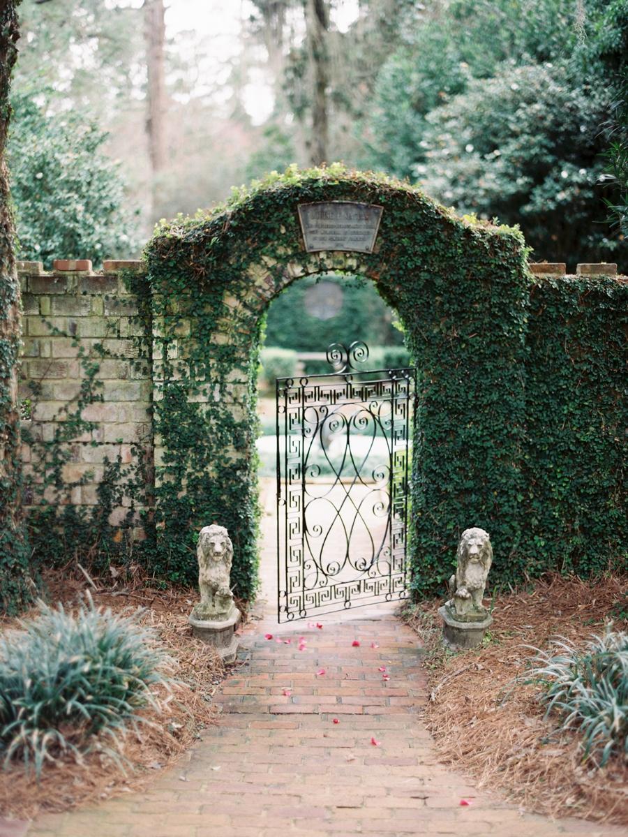 05-english-garden-wedding-inspiration.jpg