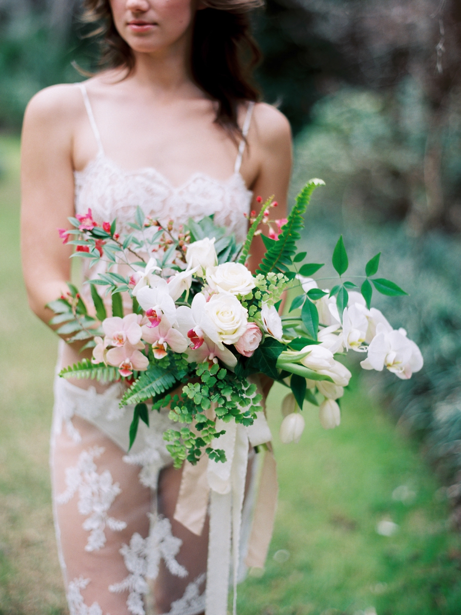 11-spring-wedding-bouquet-with-pink-and-white.jpg