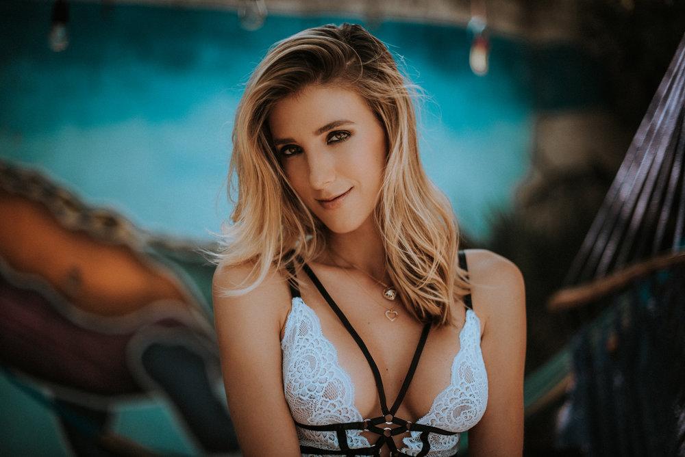 Sabrina W-16.jpg