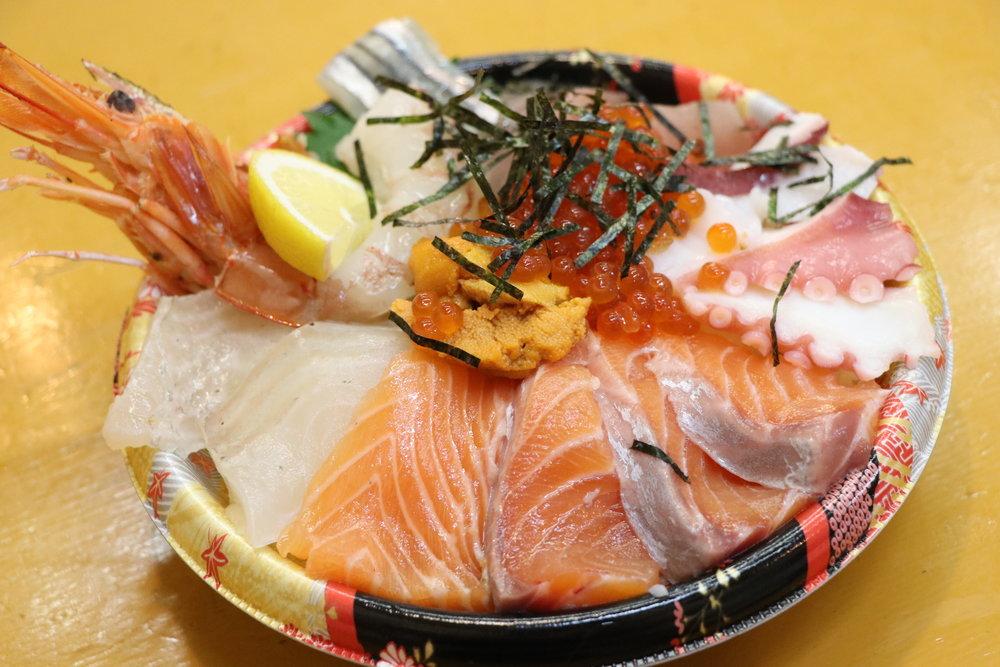 ¥1,500 の海鮮丼。