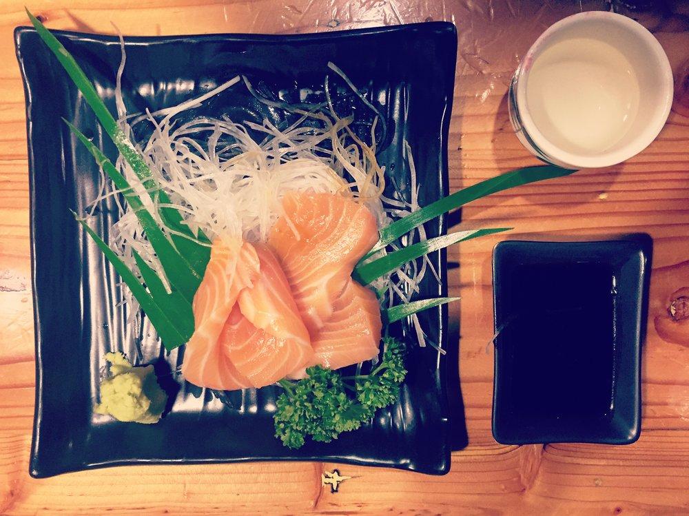 AI Sushi: Salmon sashimi...delish