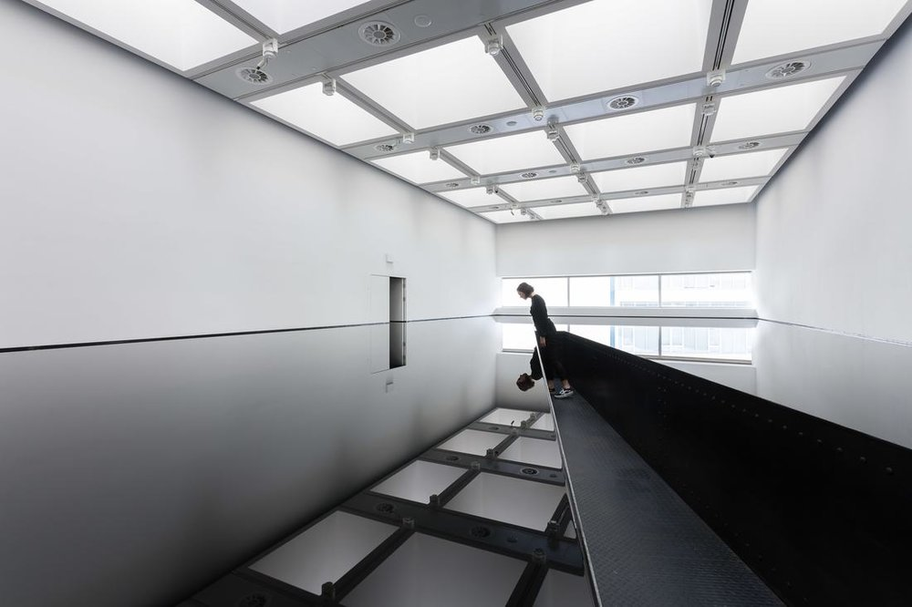 Richard Wilson 20-50 installation 2.jpg