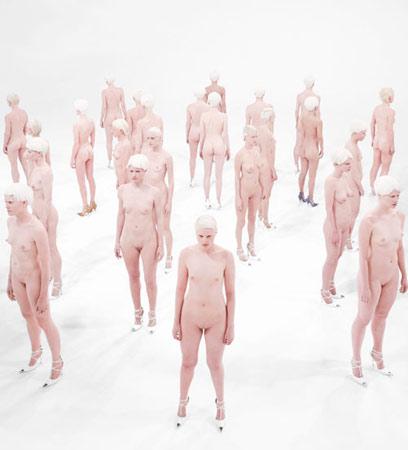 Vanessa Beecroft, VB46  at the Gagosian Gallery, Los Angeles, 2011.©Gagosian Gallery