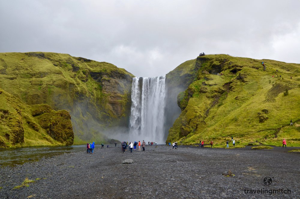 "The ""humans"" heading towards Skógafoss."
