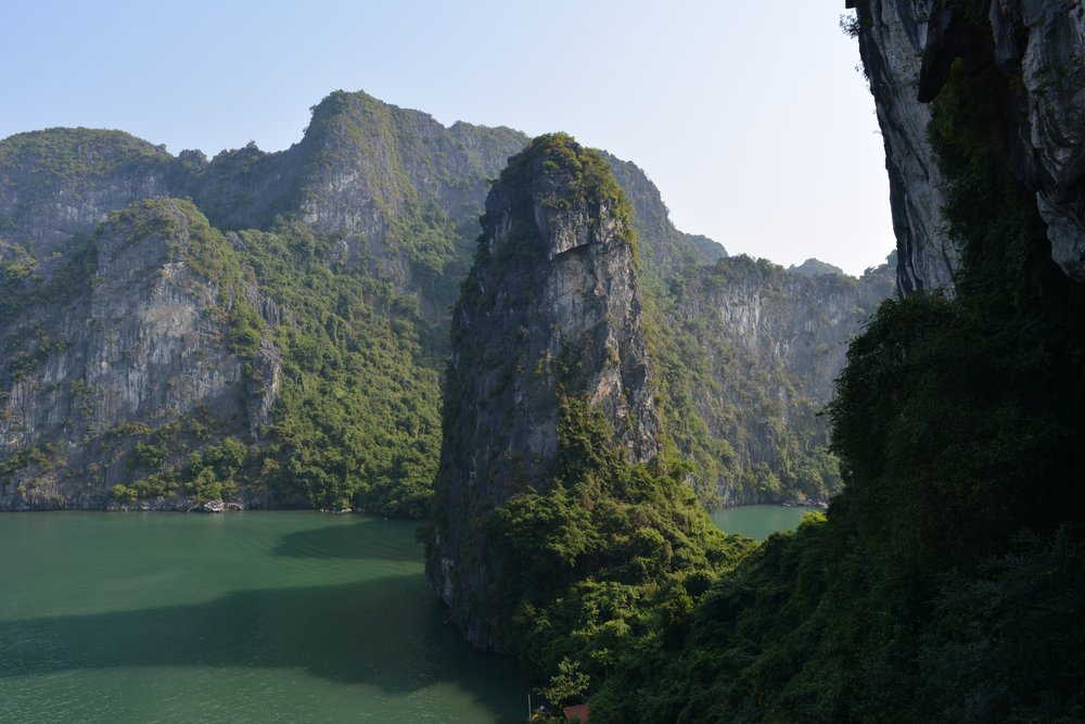 3 Weeks in Vietnam - Sung Sot Cave in Ha Long Bay