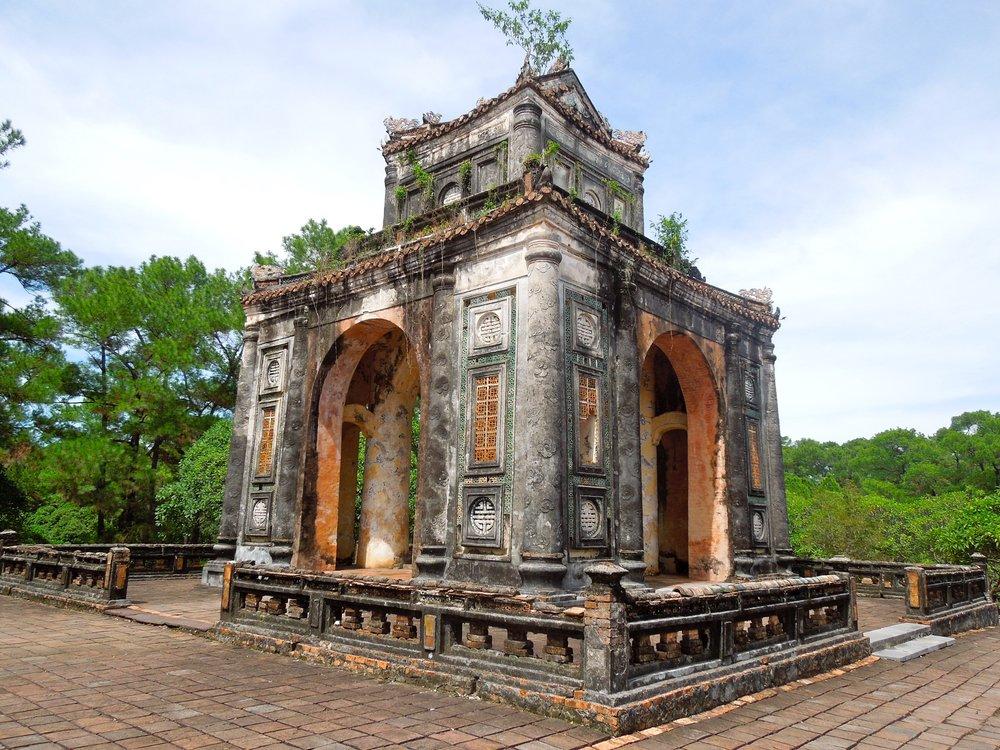 3 Weeks in Vietnam - Tu Doc Tomb in Hue!