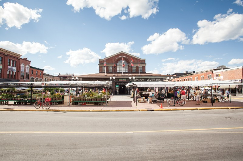 There are few places in Ottawa more intriguing than the ByWard Market. ©Destination Canada