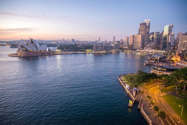 There are plenty of outdoor activities in Sydney when it comes to Sydney Harbour and the area around Sydney Opera House