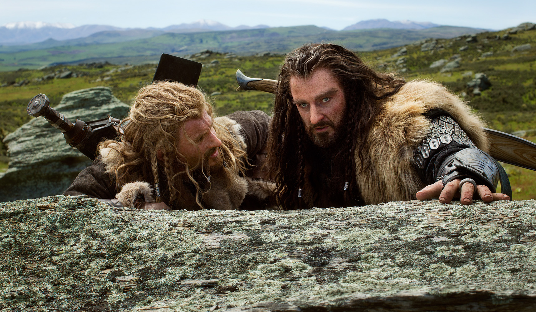 Dean O'Gorman as Fili and Richard Armitage as Thorin in 'The Hobbit: An Unexpected Journey'