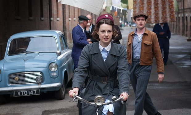 The series follows Nurse Lee as she works in the impoverished East London of the 1950s.