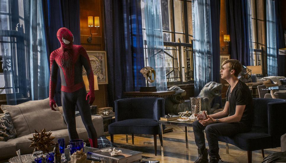 Harry Osborn (Dane DeHaan) pleads with Spider-Man to help save Harry's life.