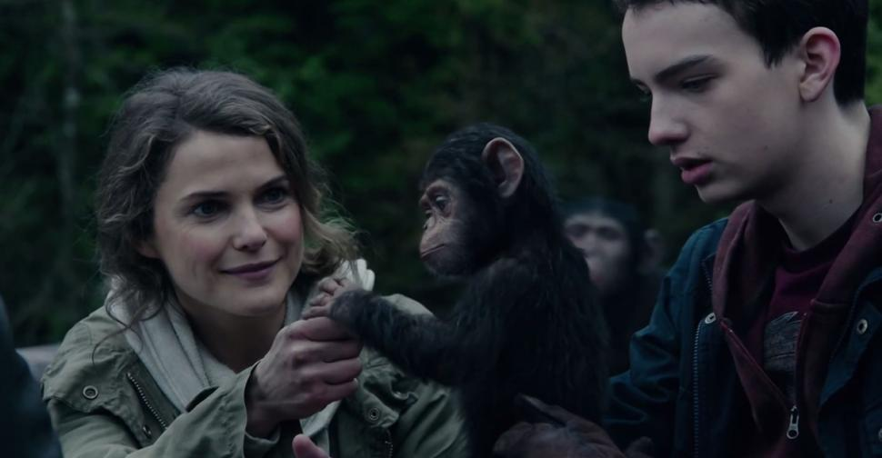 Keri Russel as Ellie and Kodi Smit-McPhee as Alexander, who also learn to trust the apes.