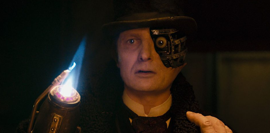 "Peter Ferdinando as the cyborg known as the ""Half-Face Man"""