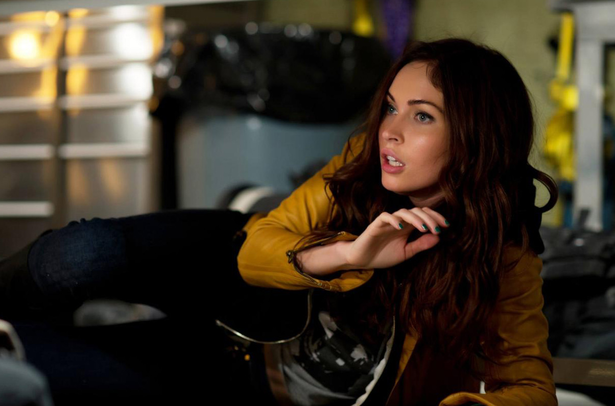 Megan Fox stars as ambitious reporter April O'Neil