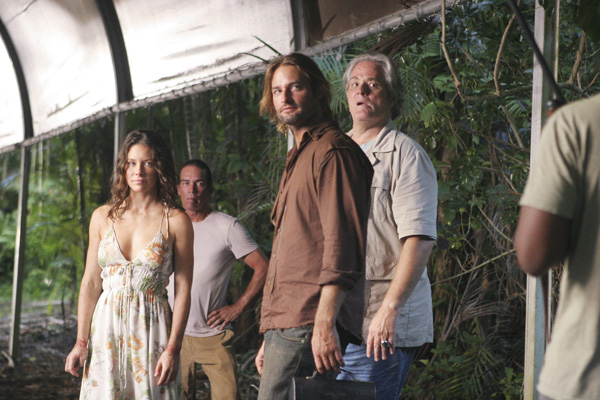 Evangeline Lilly, Josh Holloway and M.C. Gainey in a season 3 episode of 'Lost'