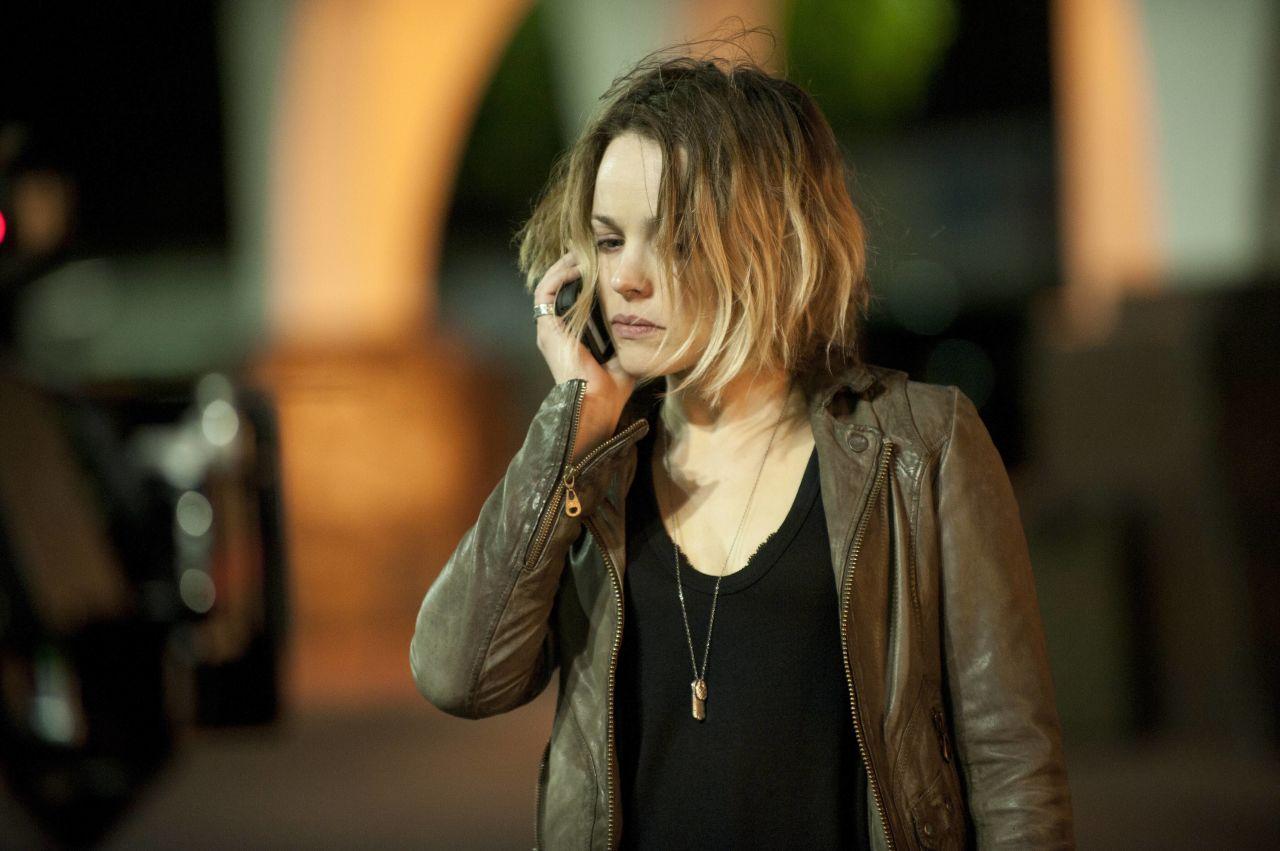 Rachel McAdams plays sheriff's detective Ani Bezzerides.