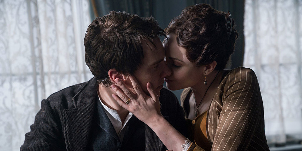 Benedict Cumberbatch and Tuppence Middleton as Thomas and Mary Edison in  The Current War , directed by Alfonso Gomez-Rejon.