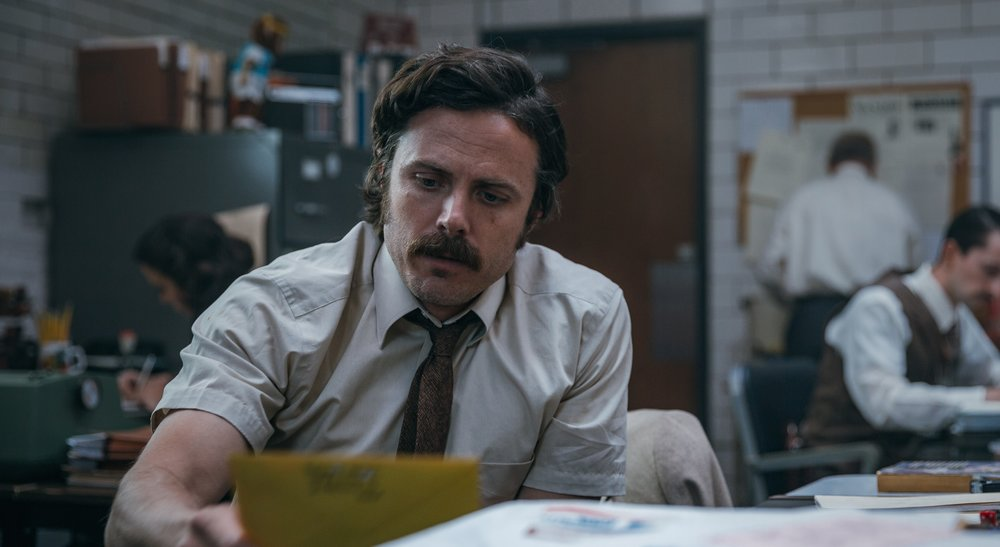 Casey Affleck as Detective John Hunt.