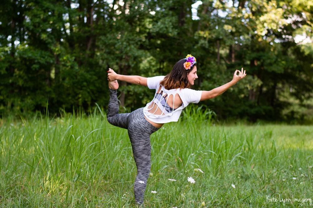 2018_0729-Alissa Gavin Yoga8873-12W.jpg