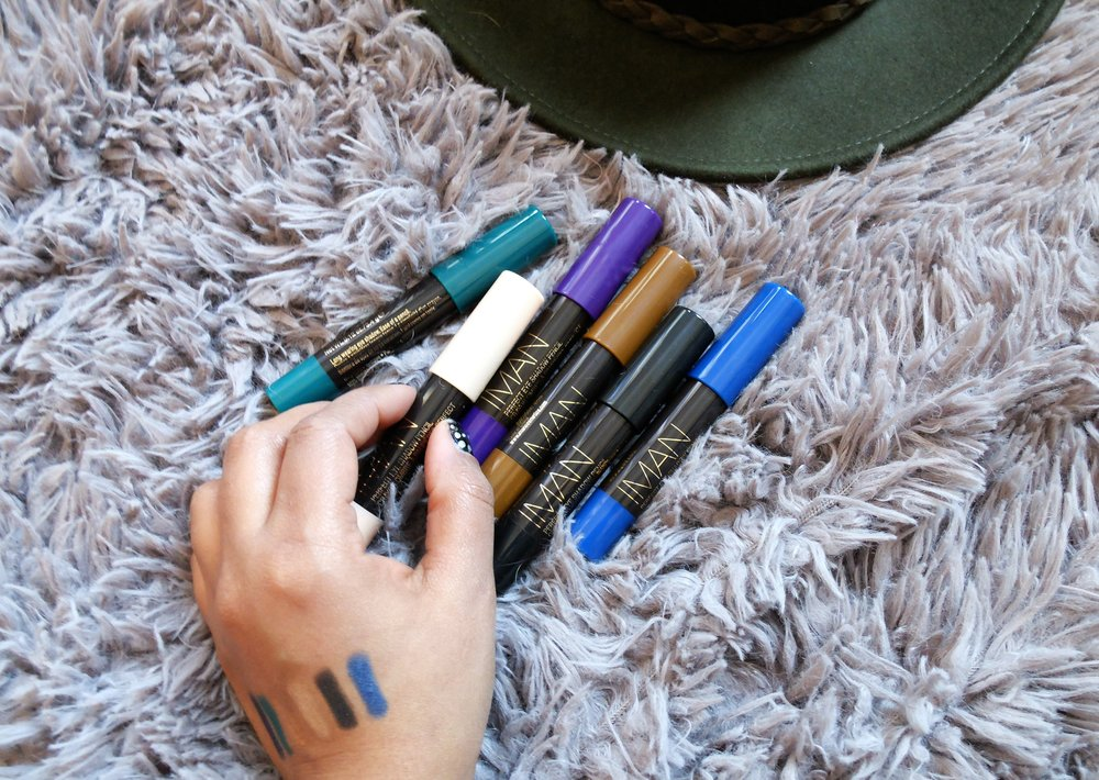 6 Colors. Amazing Pigment. Long lasting. The three things we all look for in an eye shadow pencils.