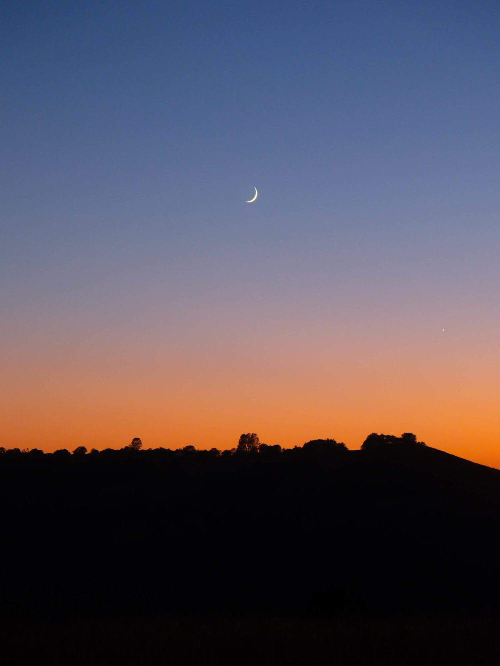jacob-ruiz-design-photography-sunset-moon