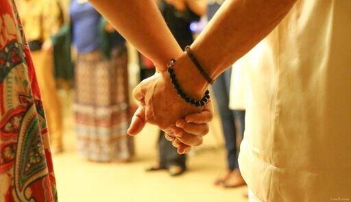 Douals Holding Hands Brazil_preview.jpeg