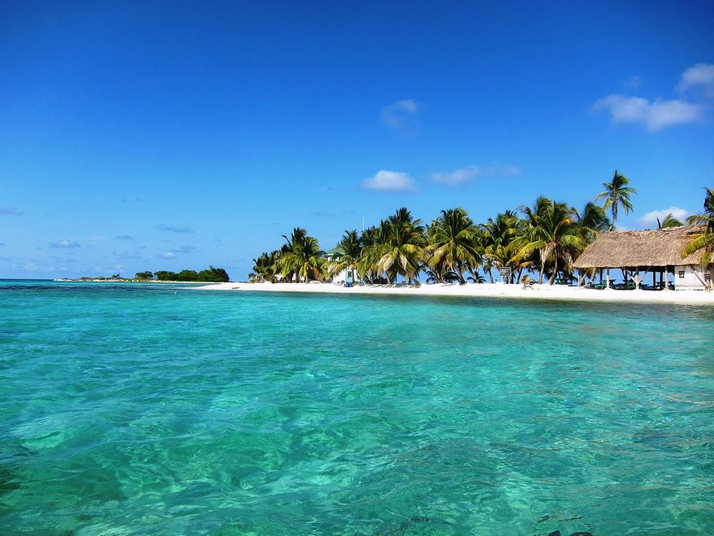 Laughingbird Caye, Belize - Author: satanoid License: CC BY 2.0