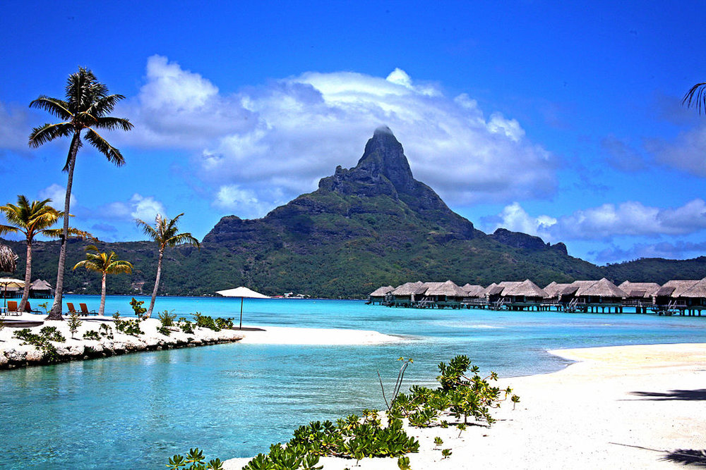 Bora Bora - Author: By K5 Boardshop License: CC BY-SA 3.0 or GFDL