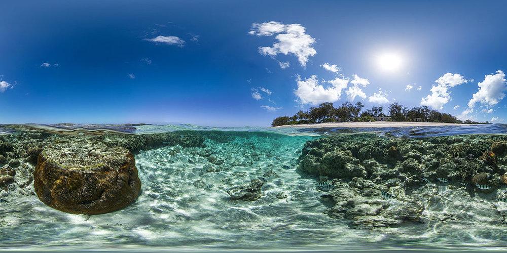 Elliot Island, Australia -Author: © Underwater Earth / Catlin Seaview Survey- www.catlinseaviewsurvey.com - License:CC BY-SA 3.0