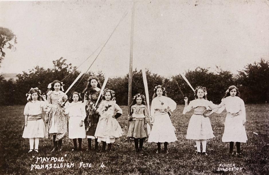 Maypole dancing at Monkseleigh   c.1915 (K751/4)