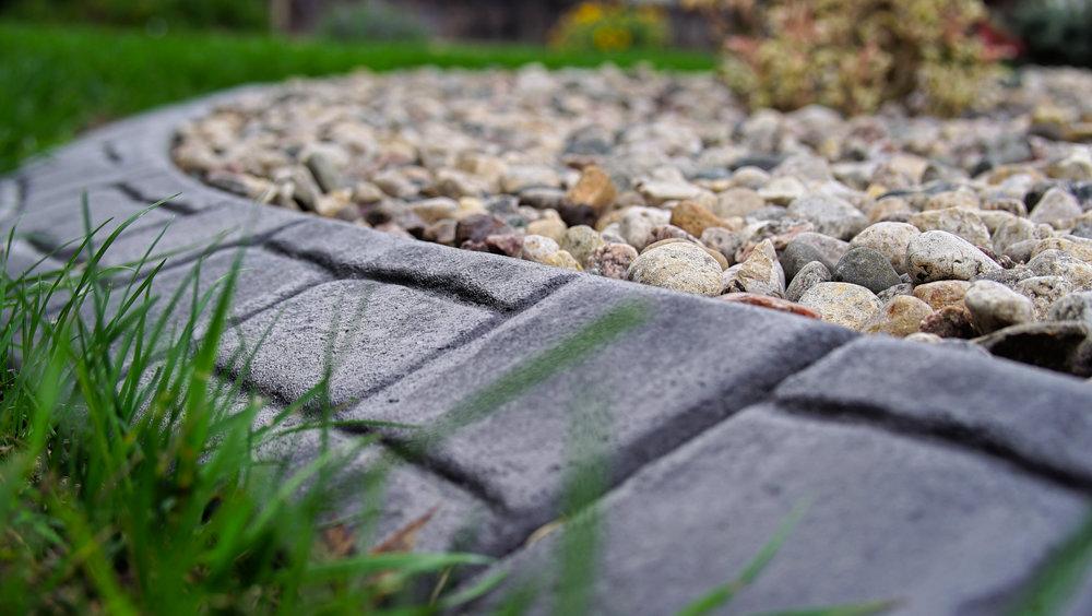 Custom Edge concrete landscape edging
