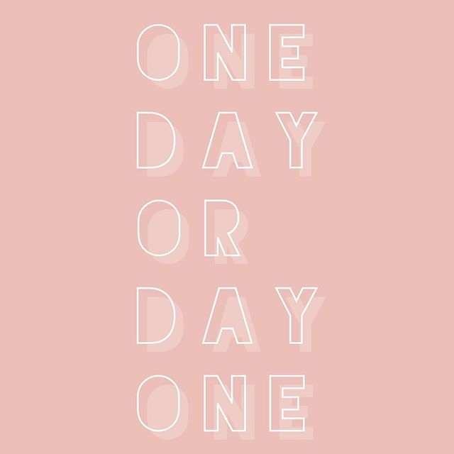 """""""DAY ONE"""" 💪🏼 #newweek #freshstart #readysetgo 👊🏼 Don't worry about tomorrow, or a week from now, just focus on the 24 hours ahead of you and commit to just mastering the day 🙌🏼 You've got this! It's just one day; do it how you know you can. Make yourself proud 💓 . . . . . #liakinn#leanlikelia#slaywithLK#ellekyafit#mondaymotivation#fitspo#fitnessinspiration#fitnessmotivation#weightlossforwomen#personaltraining#homeworkouts#fatloss#nutritioncoach#iifym#macrotracking#macros"""