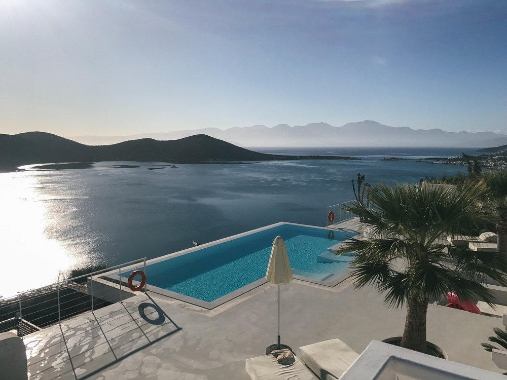 Emotion Art Villa - A spectacular villa situated on a small hill overlooking the breathtaking bay of Mirabello and just a short walk from the cosmopolitan village of Elounda.