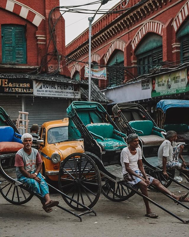 Streets of Kolkata... 〰️ GTEF will be off the grid for the next week as we make our way up North to the Himalayas. 〰️ Here we will be doing school visits and teacher in service programs at Chuikhim, Sherwani, Yelbong & Neora Valley. Looking forward to updating on this experience as soon as possible! ✌🏼✌🏼#GTEF