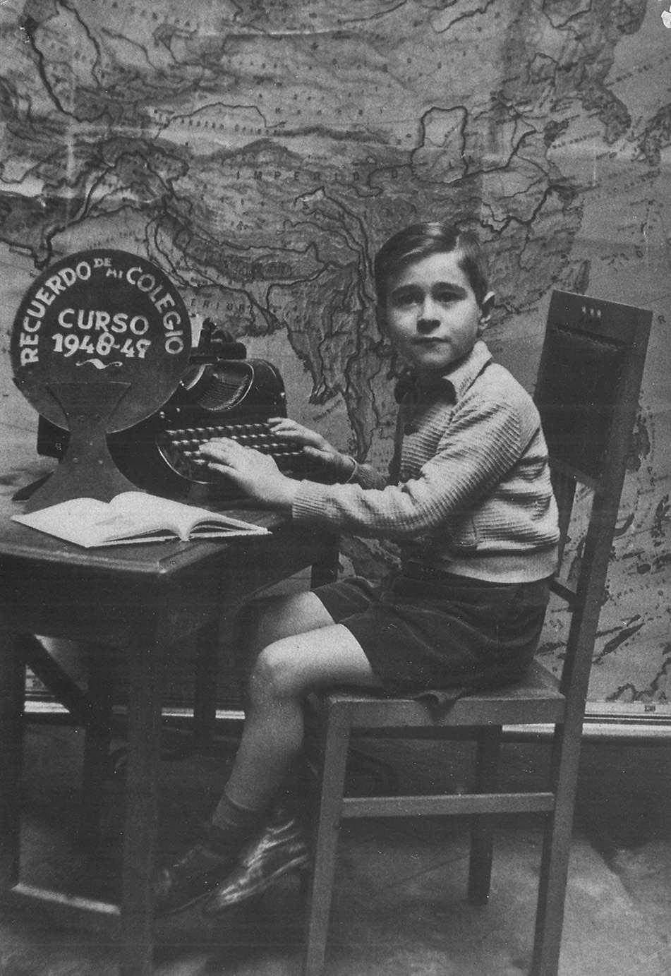 Foto recuerdo del Liceo Escolar de Barcelona (España), 1949