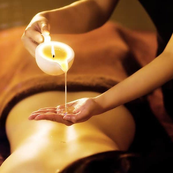 Autumn Indulgence Special 🍁🥰 Just the thing for a relaxed Autumn day, indulge yourself from head to toe! Exfoliate away that dry summer skin and soak up the luxurious warm candle massage that will hydrate your skin and revitalise the body. - Back exfoliation - Back, neck and shoulder massage - Skin consultation - Tailored Medik8 facial to suit your concerns and needs - Finish with scalp massage  BOOK NOW for total bliss !!! $95.00 75 mins