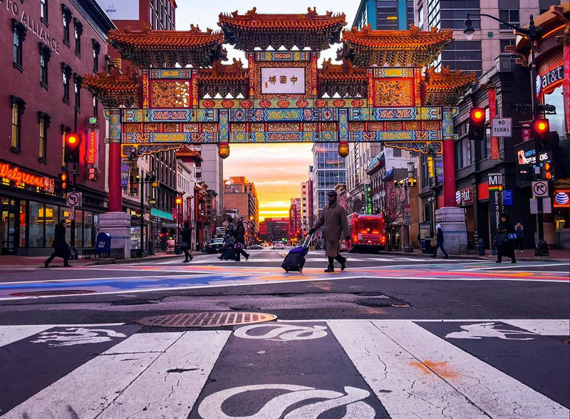 _chriscruz-chinatown-friendship-archway-at-sunrise_mydccool.jpg