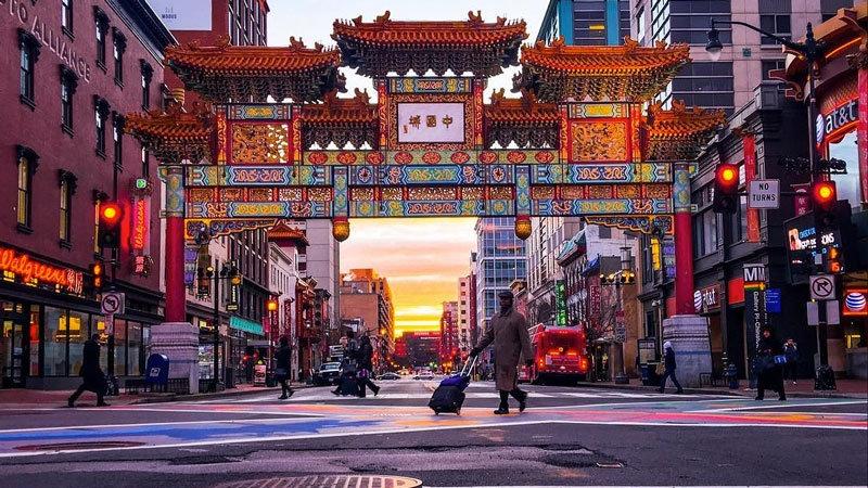 _chriscruz-chinatown-friendship-archway-at-sunrise_mydccool.jpg