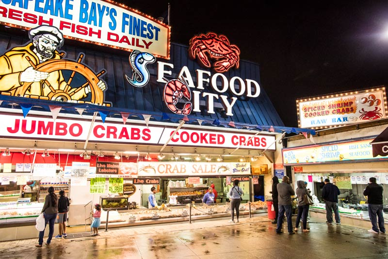 nighttime-at-maine-avenue-fish-market-on-the-wharf_ddc-photo.jpg