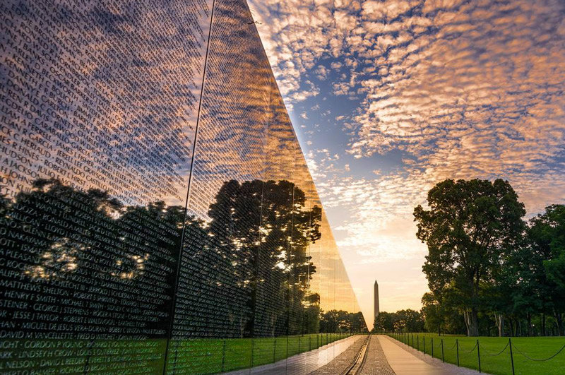506thcurrahee-summer-sunrise-at-the-vietnam-veterans-memorial-clear-reflection_mydccool-homepage-08.02.jpg