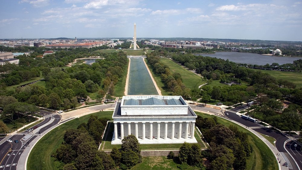 1280px-Aerial_view_of_the_Lincoln_Memorial.jpg